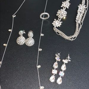 Lot Jewelry Banana Republic +Free...